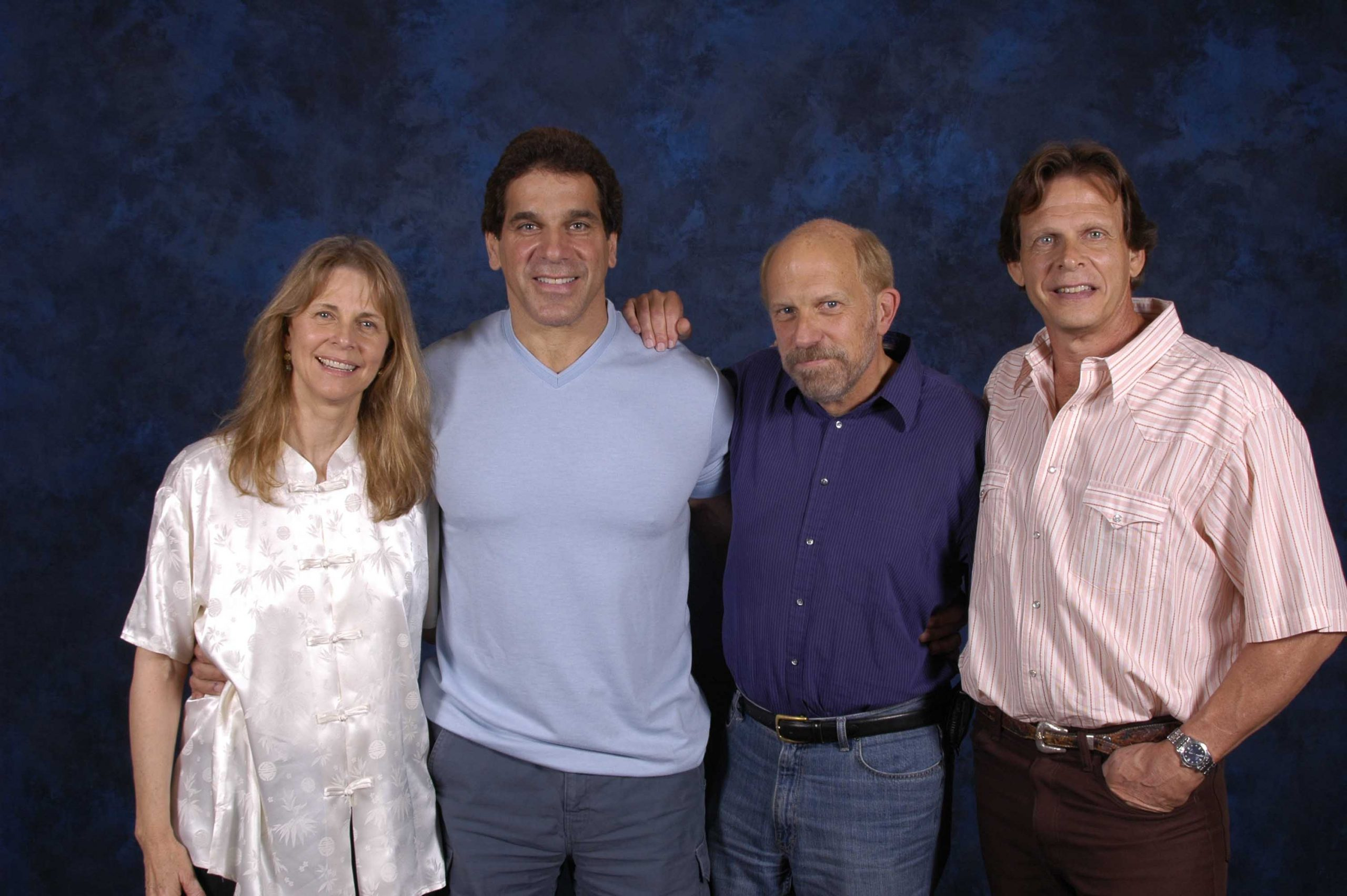Three of Kenny's stars: Bionic Woman Lindsay Wagner, Incredible Hulk Lou Ferrigno, and V's Marc Singer