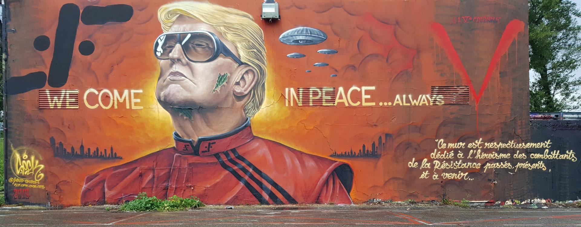French V Mural Hi-Res